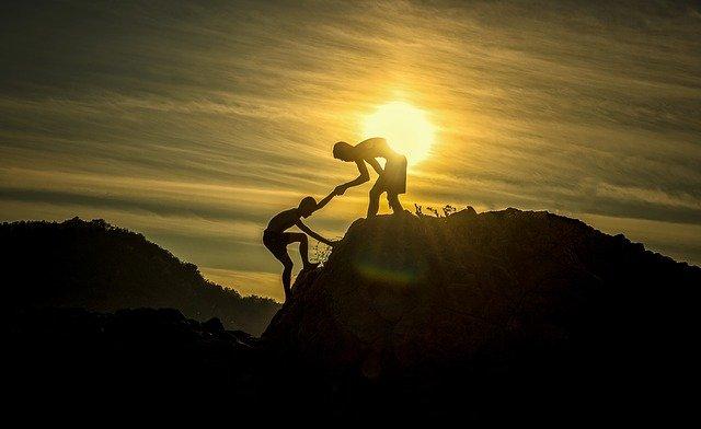 Het verschil tussen helpen en verhelpen
